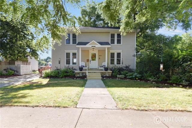 411 S Michigan Avenue, Howell, MI 48843 (#218066474) :: The Buckley Jolley Real Estate Team