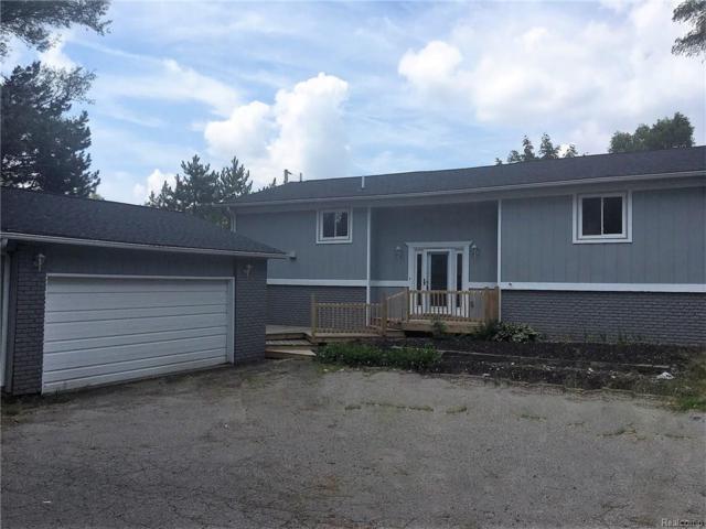 1190 Union Lake Road, White Lake Twp, MI 48386 (#218066478) :: Duneske Real Estate Advisors