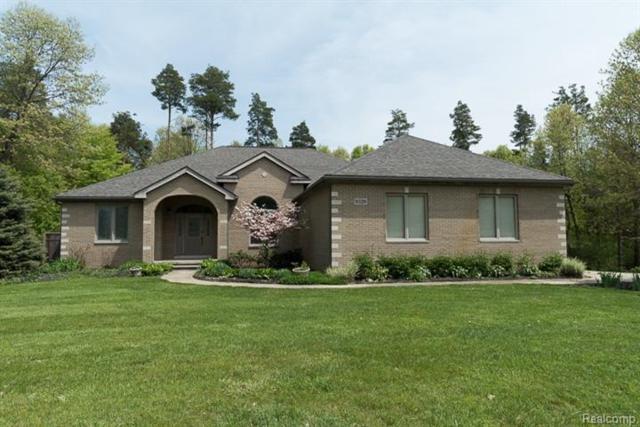 9329 Garrison, Green Oak Twp, MI 48178 (#543258740) :: The Buckley Jolley Real Estate Team