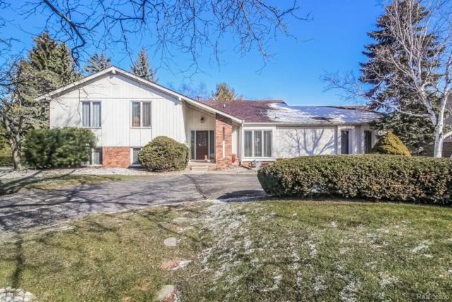 2130 Coach Way Court, West Bloomfield Twp, MI 48302 (#218067635) :: RE/MAX Classic