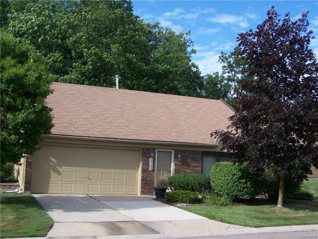 2347 Rochelle Park Drive, Rochester Hills, MI 48309 (#218068080) :: Duneske Real Estate Advisors