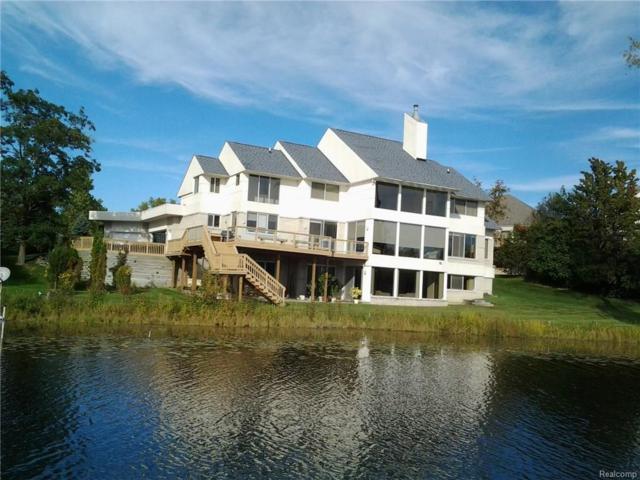 6741 Walnut Lake Road, West Bloomfield Twp, MI 48323 (#218068433) :: RE/MAX Classic