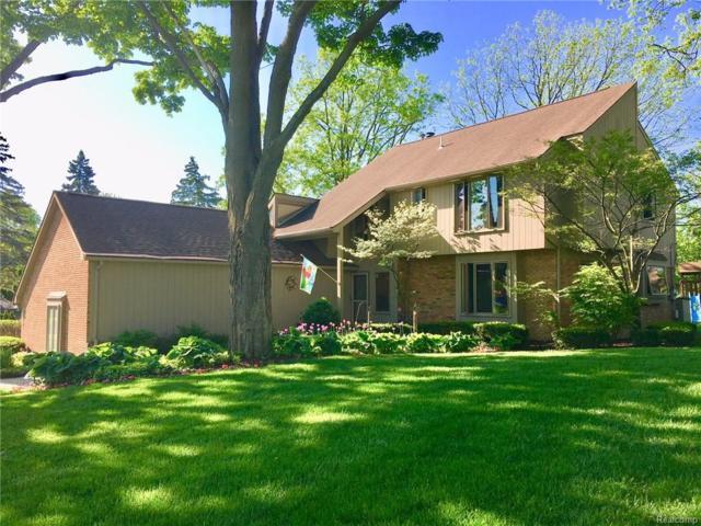 264 Woodedge, Bloomfield Twp, MI 48304 (#218068481) :: The Buckley Jolley Real Estate Team