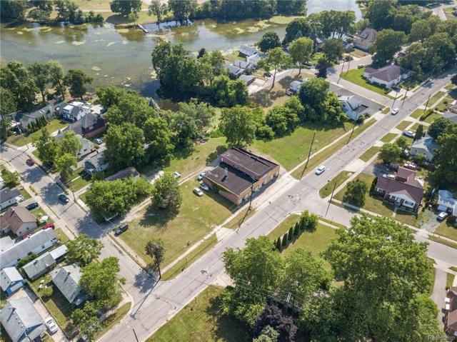 201 Voorheis Street, Pontiac, MI 48341 (#218073090) :: The Buckley Jolley Real Estate Team