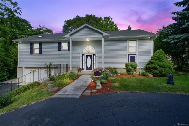2235 Hiller Road, West Bloomfield Twp, MI 48324 (#218073162) :: RE/MAX Classic