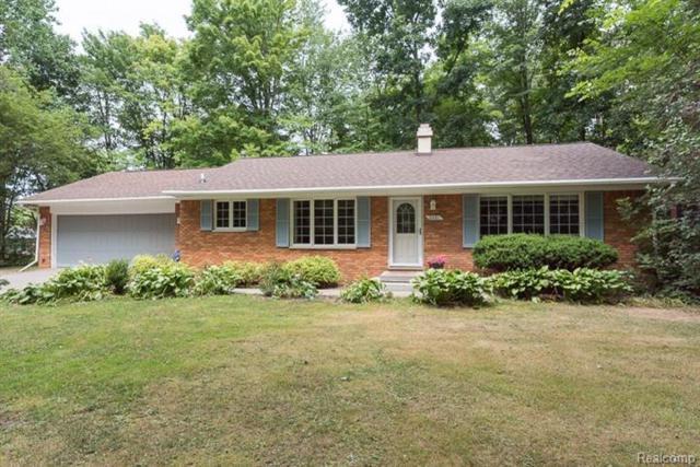 2481 Livernois Drive, Oceola Twp, MI 48843 (#543259112) :: Duneske Real Estate Advisors