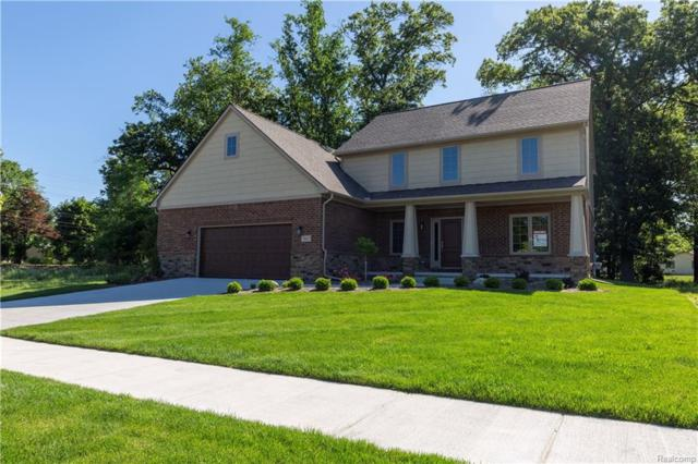 2662 Chisana Drive, Commerce Twp, MI 48382 (#218074015) :: The Buckley Jolley Real Estate Team