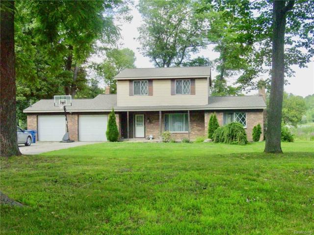 1725 Maple Heights Drive, White Lake Twp, MI 48386 (#218074237) :: RE/MAX Classic