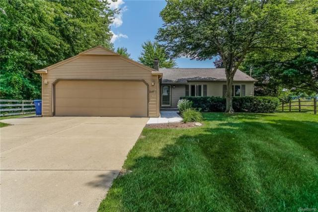 2495 Malibu Court, Fenton Twp, MI 48430 (#218074465) :: The Buckley Jolley Real Estate Team