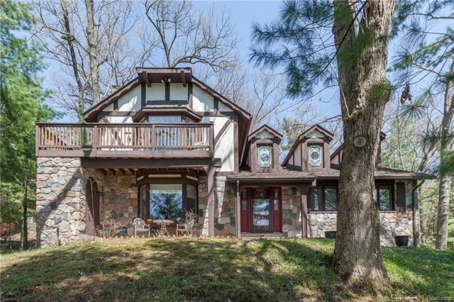 6824 Deerhill Drive, Independence Twp, MI 48346 (#218074514) :: RE/MAX Classic