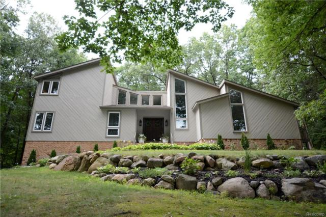 7450 Deerhill Drive, Independence Twp, MI 48346 (MLS #218074665) :: The Toth Team