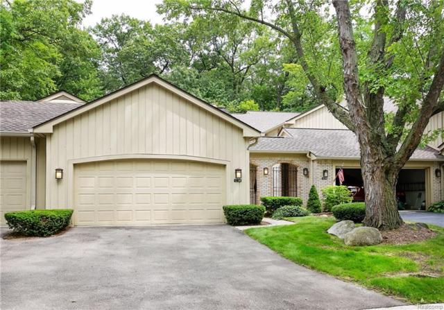 1230 Manorwood Circle, Bloomfield Twp, MI 48304 (#218075424) :: Duneske Real Estate Advisors