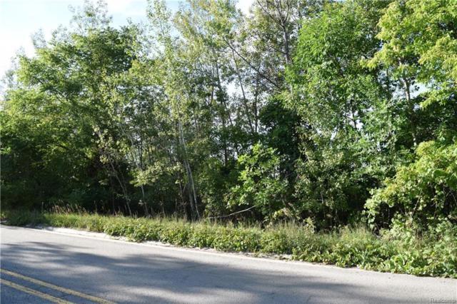 7780 Walnut Lake, West Bloomfield Twp, MI 48323 (#218075988) :: RE/MAX Classic