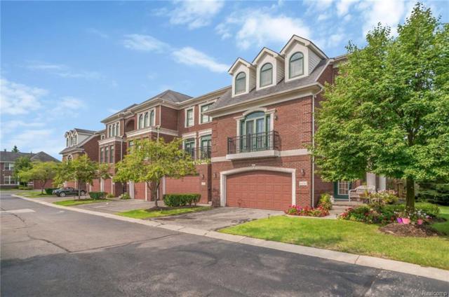 4410 Gateway Circle, West Bloomfield Twp, MI 48322 (#218076073) :: Duneske Real Estate Advisors
