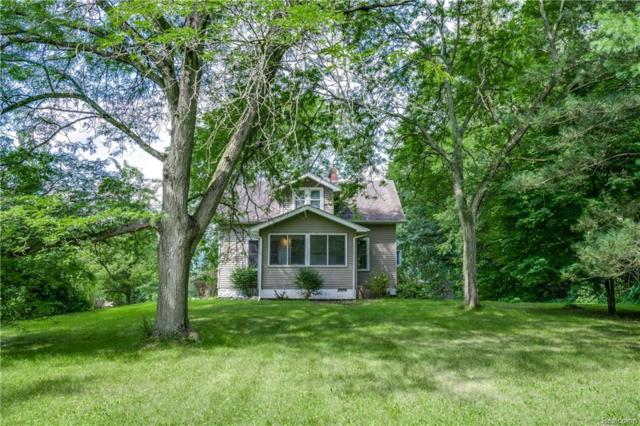 2725 Charms Road, Milford Twp, MI 48381 (#218076094) :: RE/MAX Classic