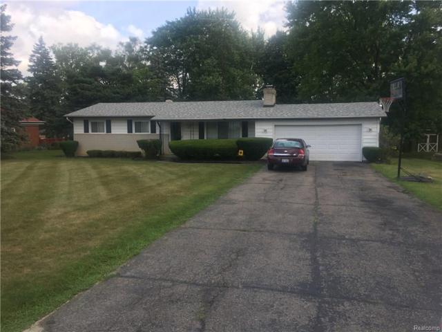 1072 Carter Drive, Flint Twp, MI 48532 (#218076400) :: The Buckley Jolley Real Estate Team