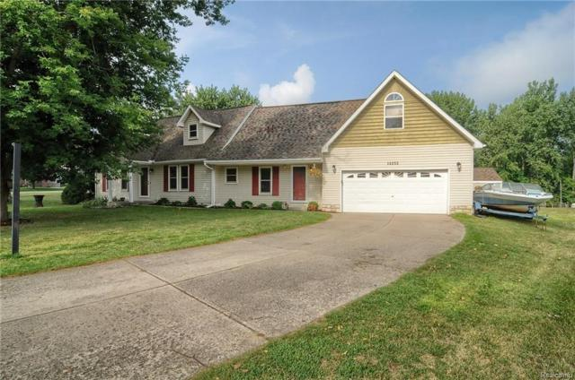 14252 Landings Way, Fenton Twp, MI 48430 (#218076687) :: The Buckley Jolley Real Estate Team
