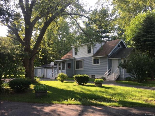 2641 Beach Road, Port Huron Twp, MI 48060 (#218077917) :: The Buckley Jolley Real Estate Team