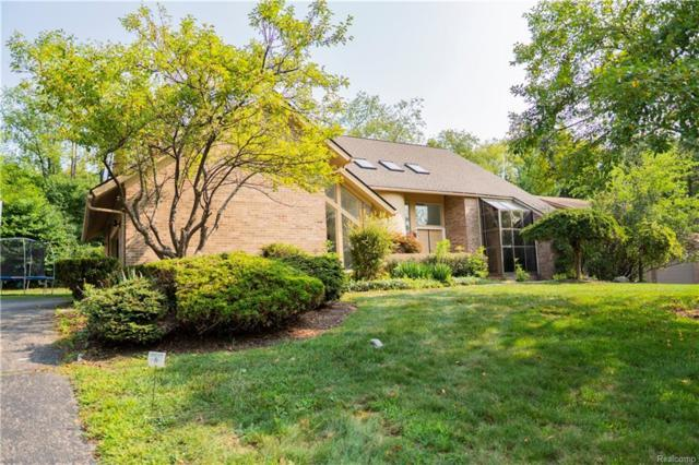 3184 Chambord Drive, West Bloomfield Twp, MI 48323 (#218077955) :: RE/MAX Classic