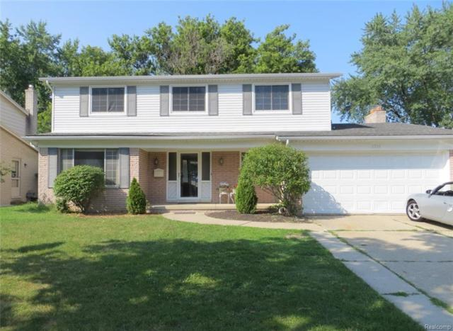 1216 Blairmoor Court, Grosse Pointe Woods, MI 48236 (#218078170) :: RE/MAX Classic