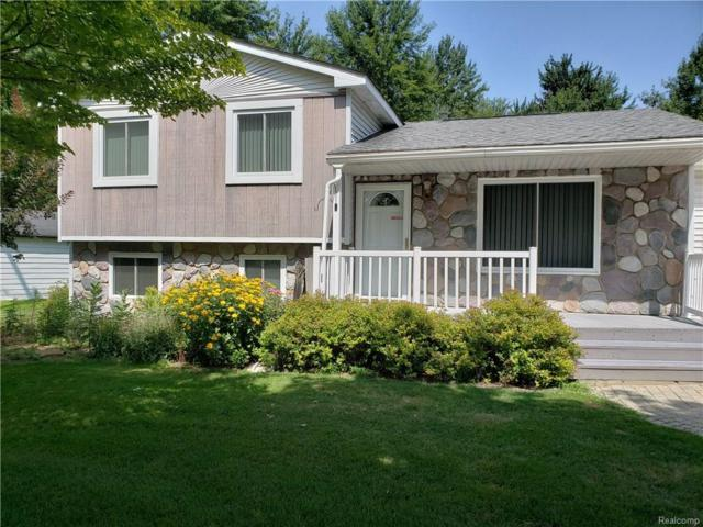 5462 Crescent Road, Waterford Twp, MI 48327 (#218078437) :: RE/MAX Classic