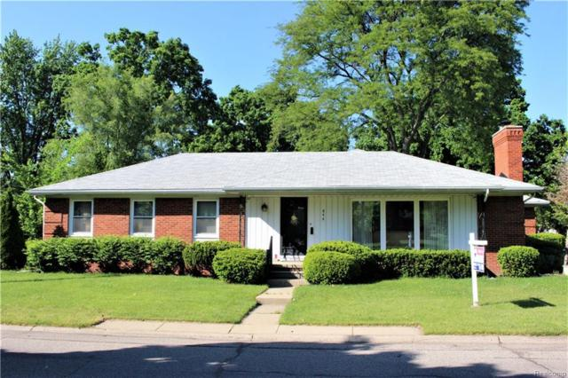 844 Fairford Road, Grosse Pointe Woods, MI 48236 (#218078965) :: RE/MAX Classic