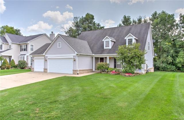 3172 Hidden Timber Drive, Orion Twp, MI 48359 (MLS #218079664) :: The Toth Team