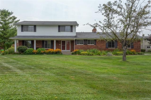 30 Lisa Circle, White Lake Twp, MI 48386 (#218079789) :: RE/MAX Classic