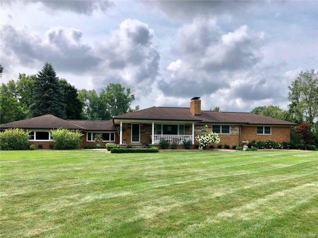 925 W Greenshield Road, Orion Twp, MI 48360 (MLS #218081680) :: The Toth Team