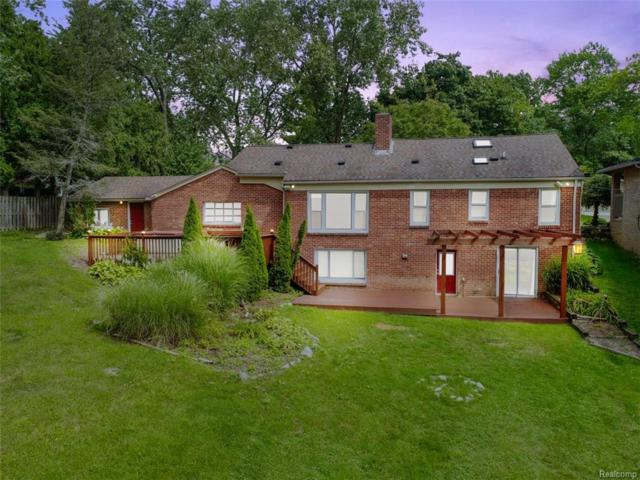 3928 Fieldview Avenue, West Bloomfield Twp, MI 48324 (#218084028) :: RE/MAX Classic