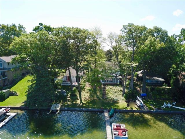 4306 S Shore Street, Waterford Twp, MI 48328 (MLS #218084128) :: The Toth Team