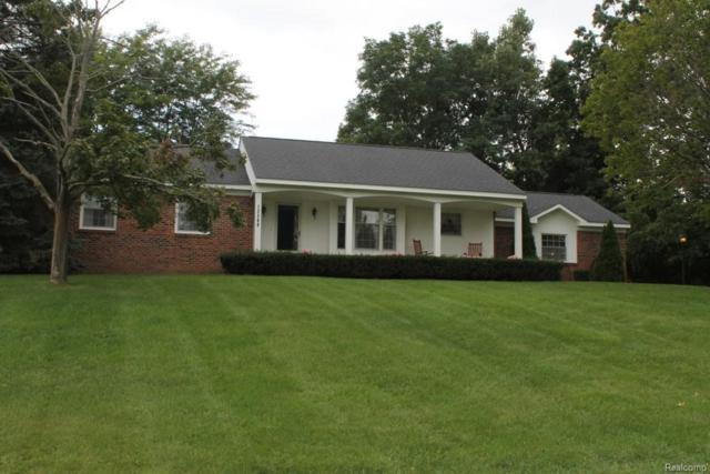 12369 Erika Drive, Hartland Twp, MI 48353 (#218084352) :: The Buckley Jolley Real Estate Team