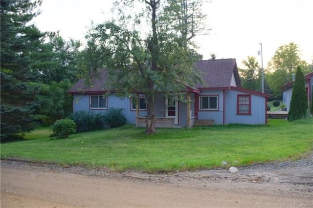 2431 Porter Road, White Lake Twp, MI 48383 (MLS #218084365) :: The Toth Team