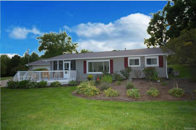 2580 S Sashabaw Road, Brandon Twp, MI 48371 (#218085732) :: Duneske Real Estate Advisors