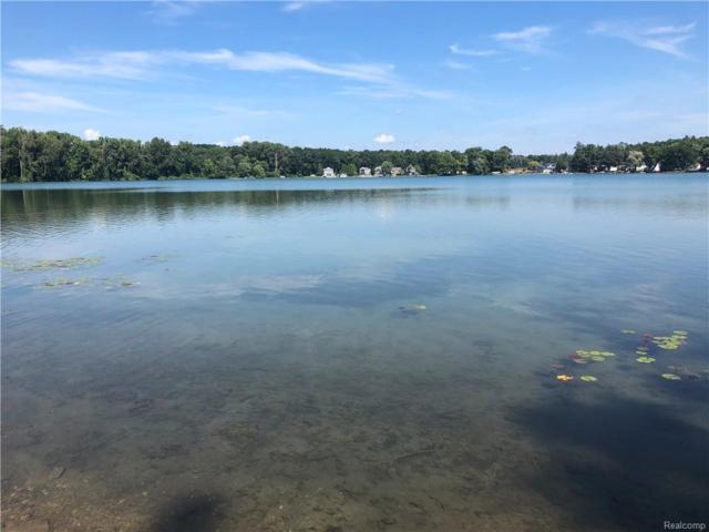 10860 Hillway Drive, White Lake Twp, MI 48386 (MLS #218085847) :: The Toth Team