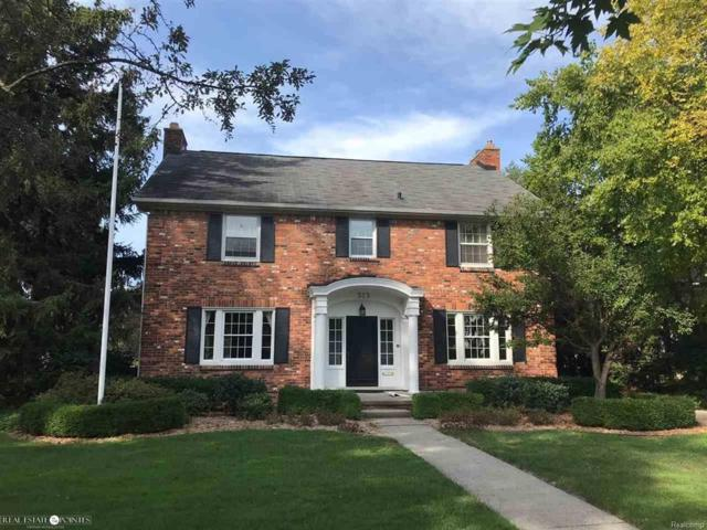 523 Lakepointe, Grosse Pointe Park, MI 48230 (MLS #58031358891) :: The Toth Team