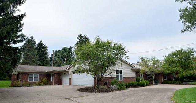 4318 Squirrel Road, Bloomfield Twp, MI 48304 (#218087635) :: RE/MAX Classic