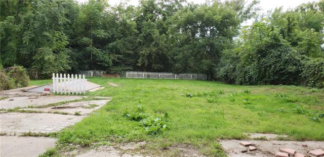 498 Lakeview Drive, White Lake Twp, MI 48386 (MLS #218087837) :: The Toth Team