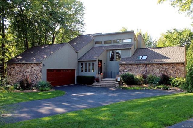 4522 Rolling Pine Court, West Bloomfield Twp, MI 48323 (#218088210) :: Duneske Real Estate Advisors