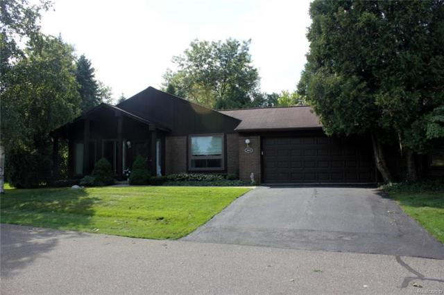 2093 Burgundy Street, West Bloomfield Twp, MI 48323 (#218089140) :: RE/MAX Classic
