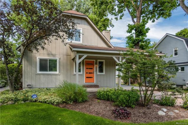 2280 Pontiac Drive, Sylvan Lake, MI 48320 (#218089533) :: Duneske Real Estate Advisors