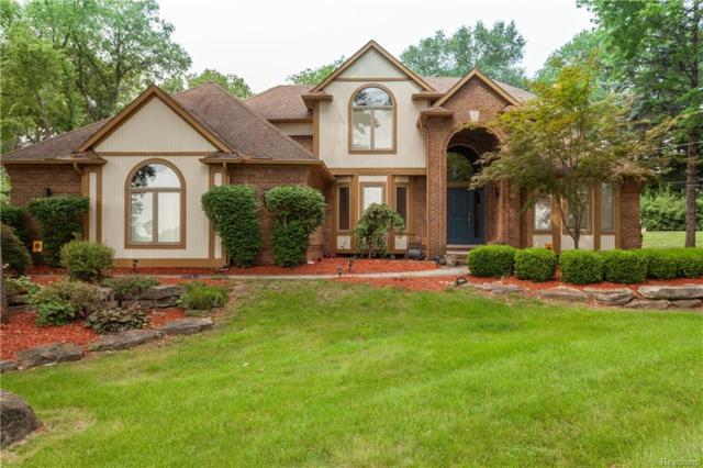 4707 Driftwood Drive, Commerce Twp, MI 48382 (#218089669) :: Duneske Real Estate Advisors