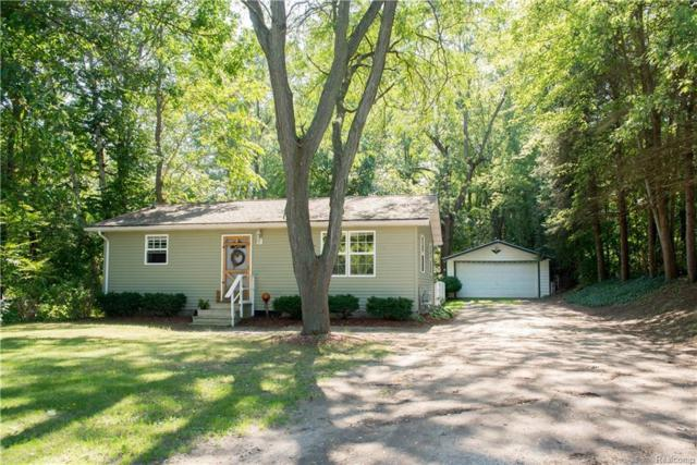 664 E Highland Road, Howell, MI 48843 (MLS #218089801) :: The Toth Team