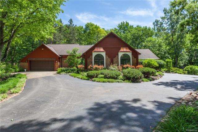 10105 Clark Road, Springfield Twp, MI 48350 (#218089895) :: Duneske Real Estate Advisors