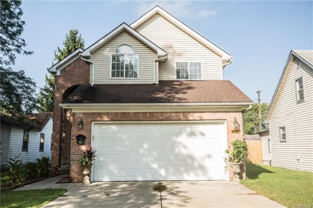 8297 Fenton Street, Dearborn Heights, MI 48127 (#218089998) :: The Buckley Jolley Real Estate Team