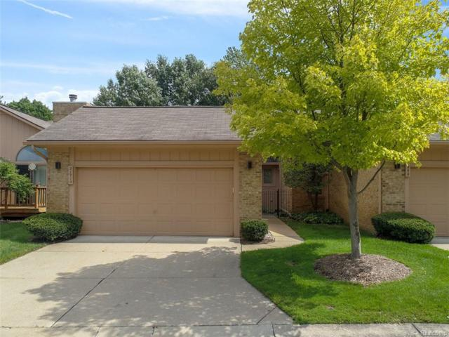 21910 River Ridge Trail #89, Farmington Hills, MI 48335 (#218090015) :: The Buckley Jolley Real Estate Team