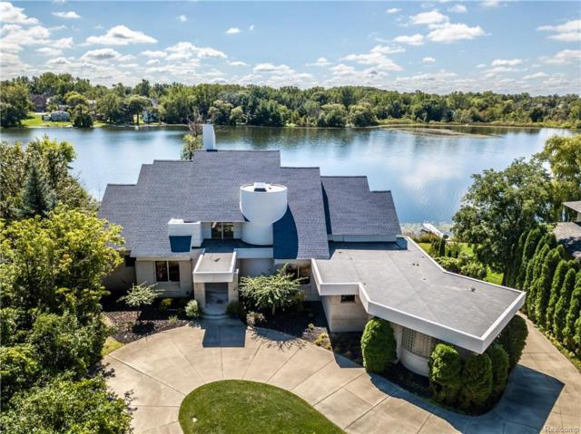 6741 Walnut Lake Road, West Bloomfield Twp, MI 48323 (#218090045) :: Duneske Real Estate Advisors