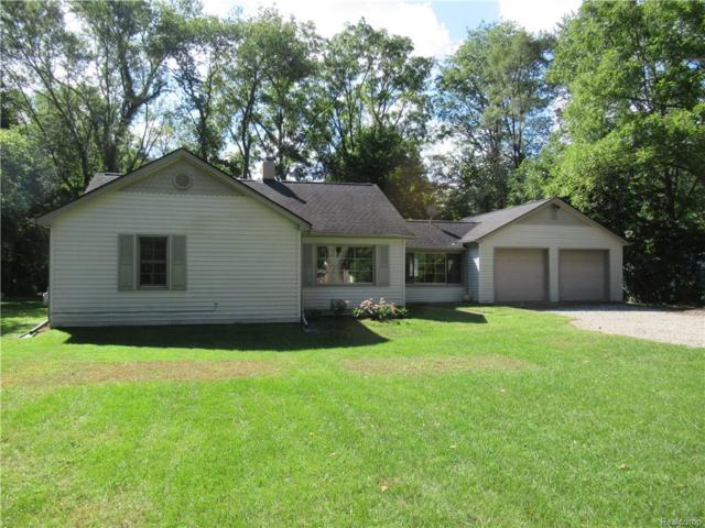 170 E Wise Road, Commerce Twp, MI 48382 (#218090430) :: RE/MAX Vision