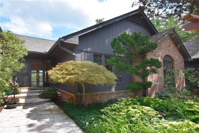 1887 Pine Ridge Lane #62, Bloomfield Twp, MI 48302 (#218090779) :: Duneske Real Estate Advisors
