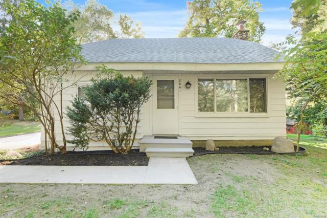 7061 Glen Circle Drive, Dexter, MI 48137 (#543260390) :: Duneske Real Estate Advisors
